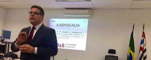Palestra do Presidente Alexandre de Sá na Justiça Federal sobre o papel da OAB e do Advogado no Estado Constitucional de Direito.