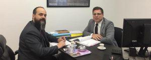 O Presidente Alexandre de Sá esteve reunido com o Dr. Eduardo Ferrari, Presidente da Comissão de Direitos e Prerrogativas, despachando diversos processos e planejando o I Encontro de Prerrogativas do Alto Tietê.