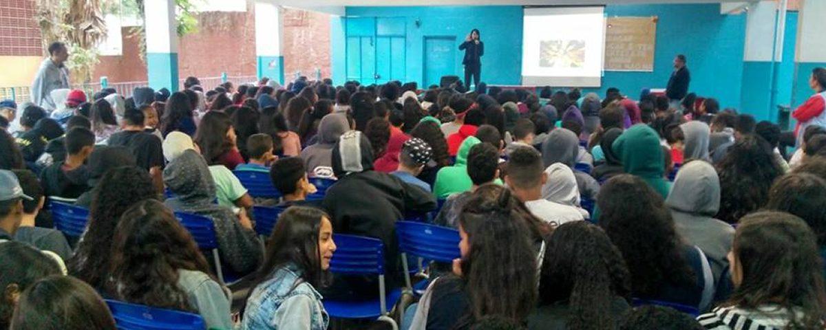 Comissão OAB Vai À Escola realiza palestra na Escola José Benedito Ferreira, no bairro Jardim Fortaleza.