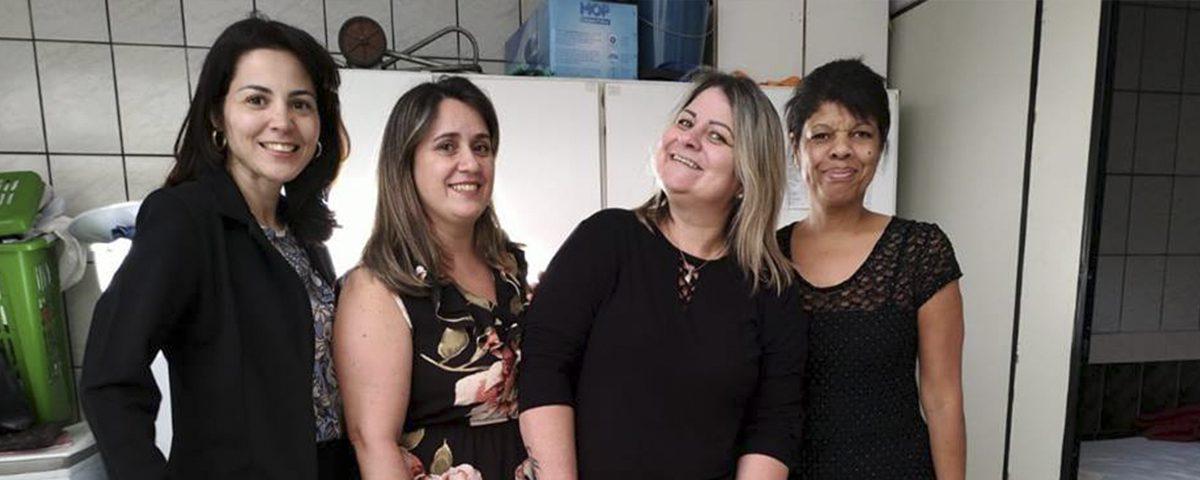 """Comissão da Mulher Advogada e Comissão da Jovem Advocacia, visitaram a Casa de Passagem Feminina de Guarulhos """"Dando um Tempo"""""""