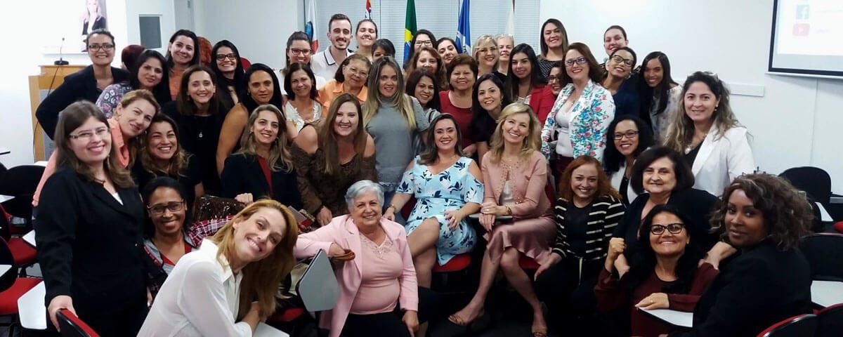 Projeto: Mulher e Poder – O Desafio Feminino da Liderança no Século XXI