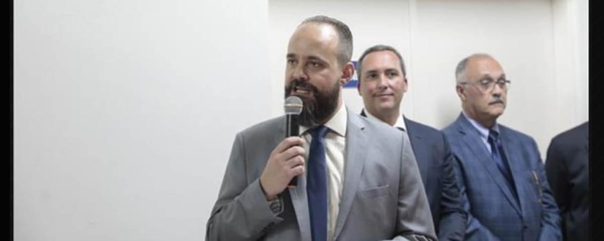 """OAB presente na inauguração da """"Galeria de Retratos de Juízes Diretores"""" da Comarca de Guarulhos."""