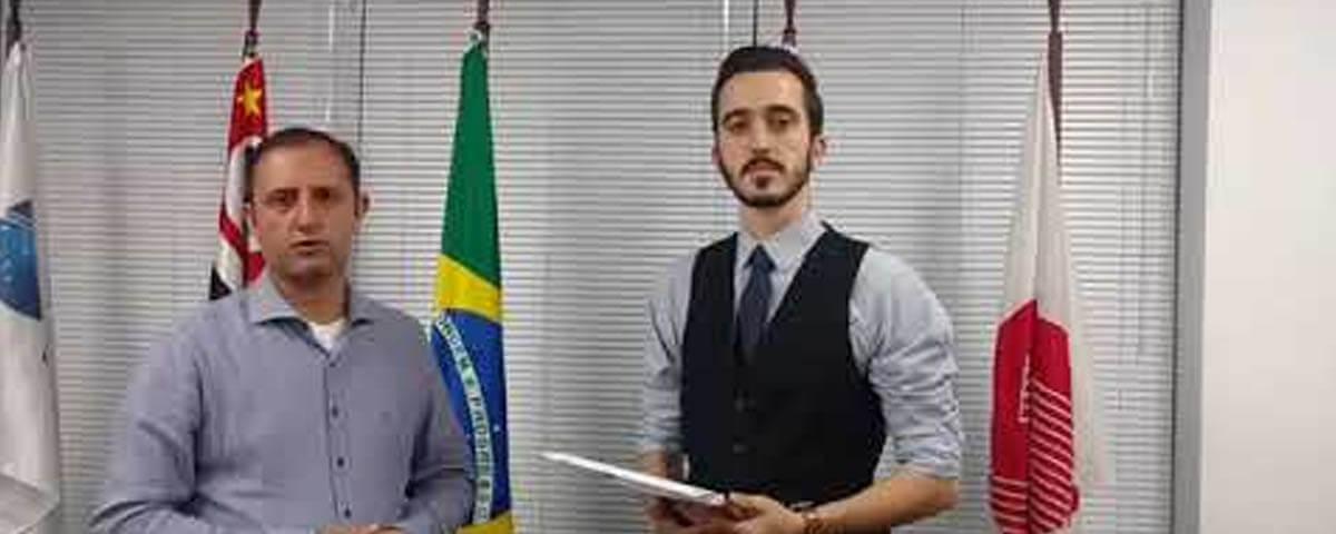 """(Vídeo) Palestra: """"PEC – Reforma da Previdência Social e Direitos Fundamentais"""" – Conversa com Dr. Marco Aurélio Serau Júnior."""