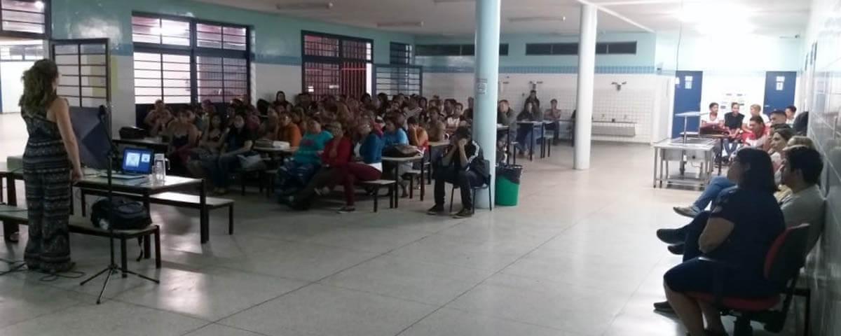 """Comissão OAB Vai à Escola palestra sobre """"Cidadania e Direitos Humanos"""" na Escola Manoel Bomfim"""
