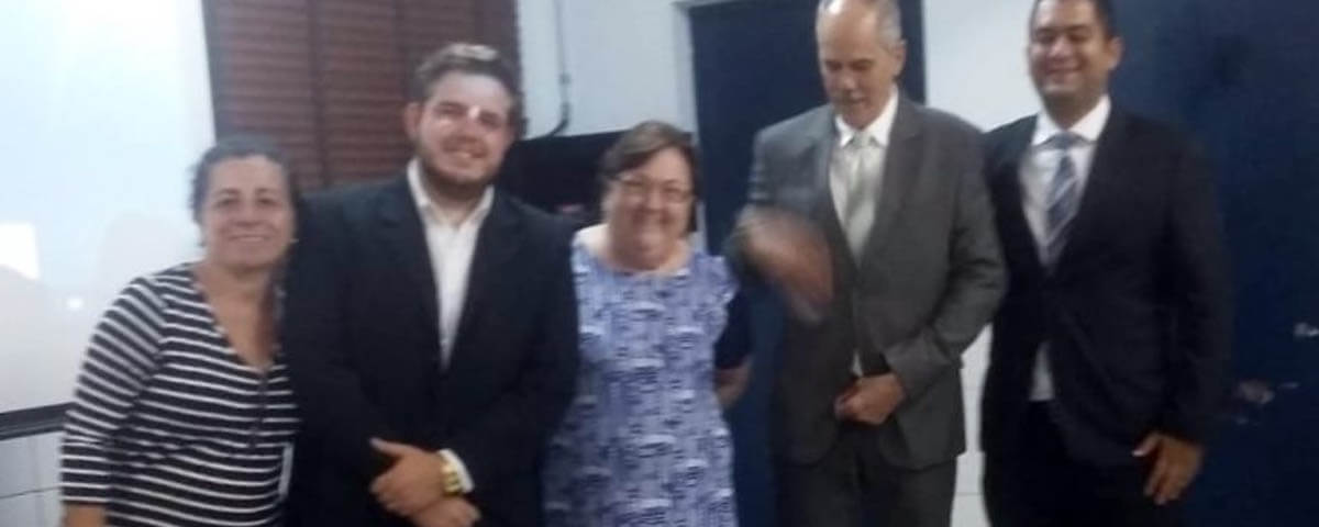 "Comissão OAB Vai à Escola palestra sobre ""Feminicídio"" – Escola Carlos Drummond de Andrade."