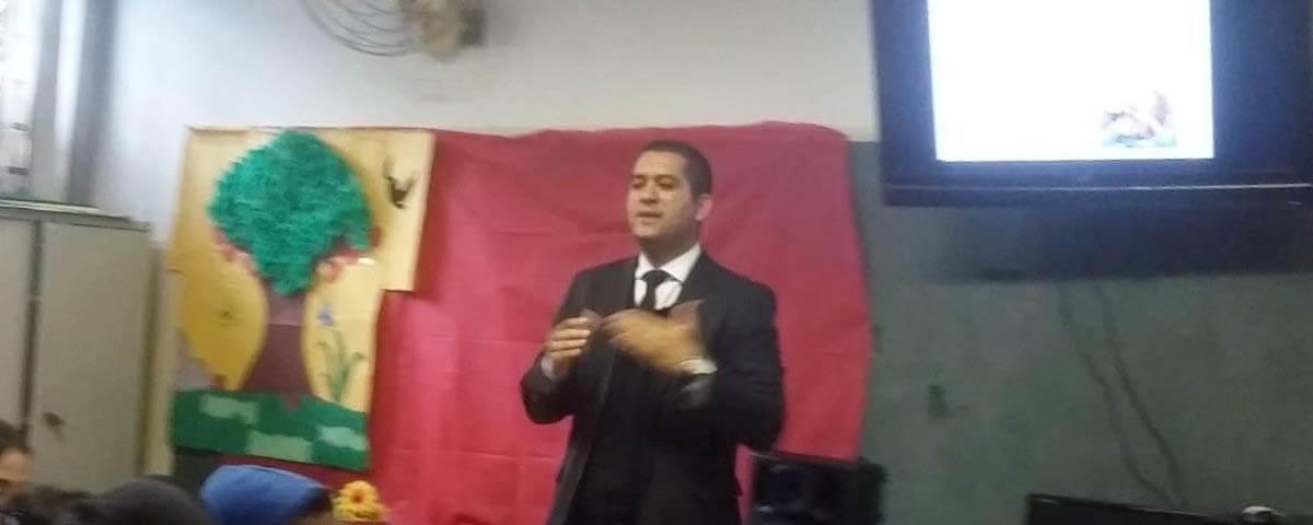 """Comissão OAB Vai à Escola palestra sobre """"Drogas e Consequências"""" na Escola Roberta Maria Lopes Chaves"""