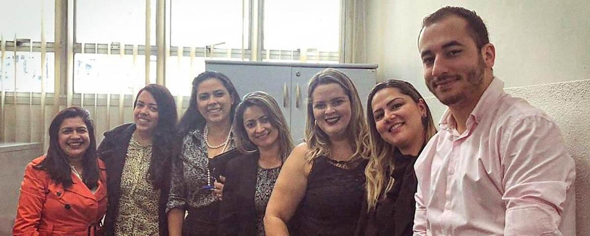 You are currently viewing Estiveram reunidos na OAB Guarulhos, a Secretária Adjunta, Dra. Ana Paula Menezes, juntamente com a Comissão de Ação Social.